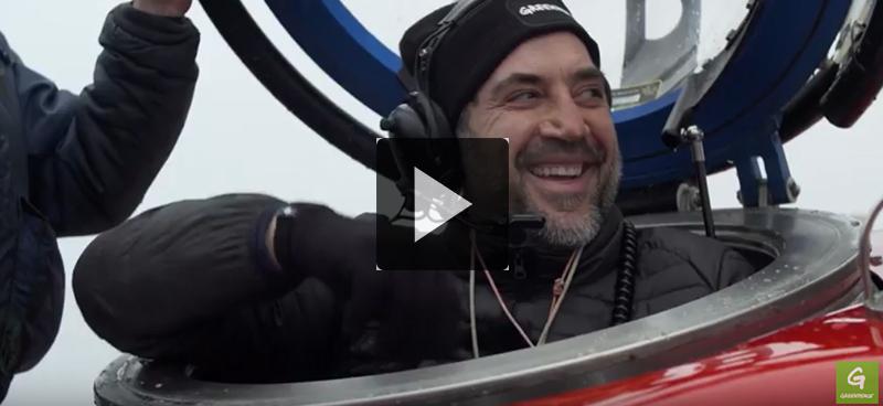 Javier Bardem plonge en Antarctique